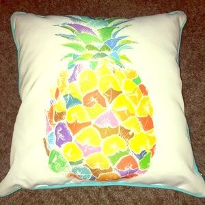 Decorative pineapple pillow